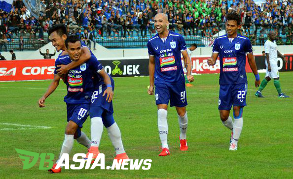 Psis Are Preparing To Serve Persela